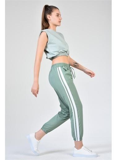 Rodi Jeans Kadın Şeritli Airobinli Jogger Pantolon DS21YB015590 Yeşil